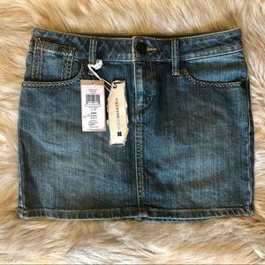 NWT BCBGMAXAZRIA DENIM MINI SKIRT SIZE 26